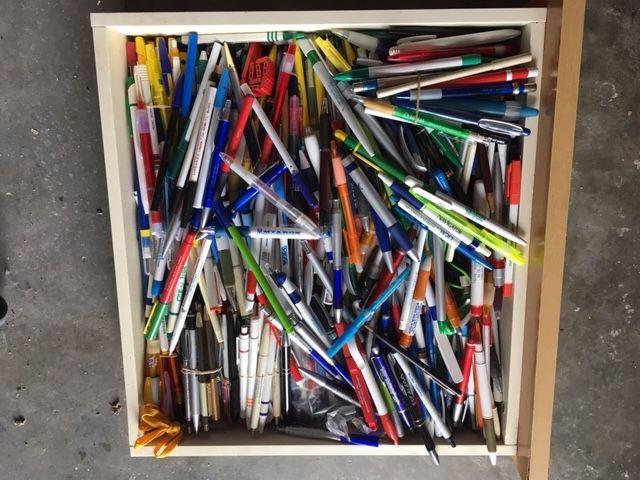 Coleção de 681 canetas publicitárias Santarém - imagem 1