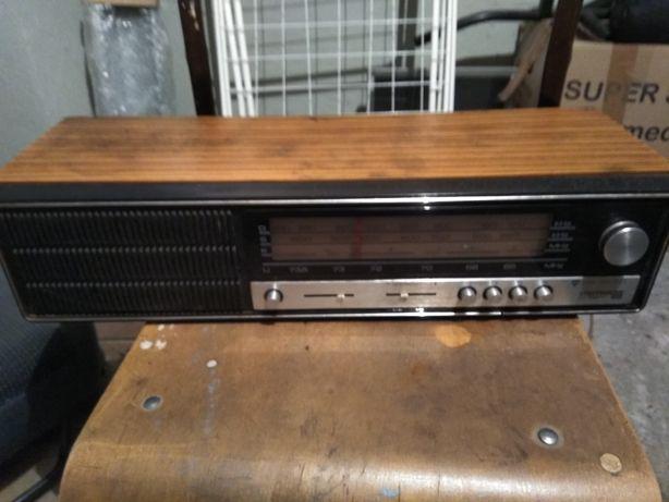 Unitra Diora Giewont radio analogowe vintage