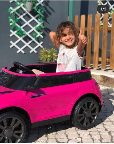 Carro elétrico novo criança