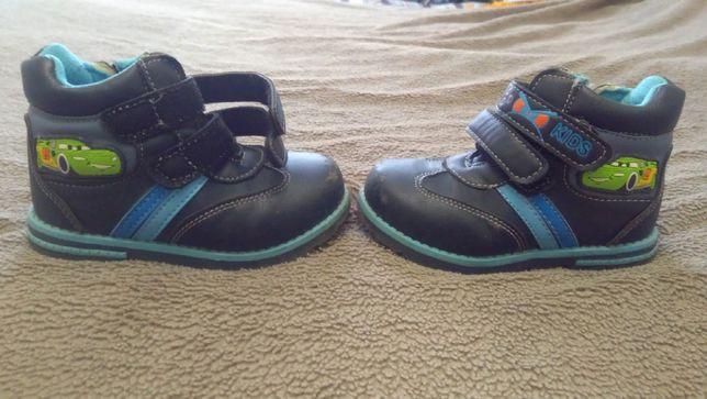Демисезонные ботиночки на мальчика 2 - 3 года