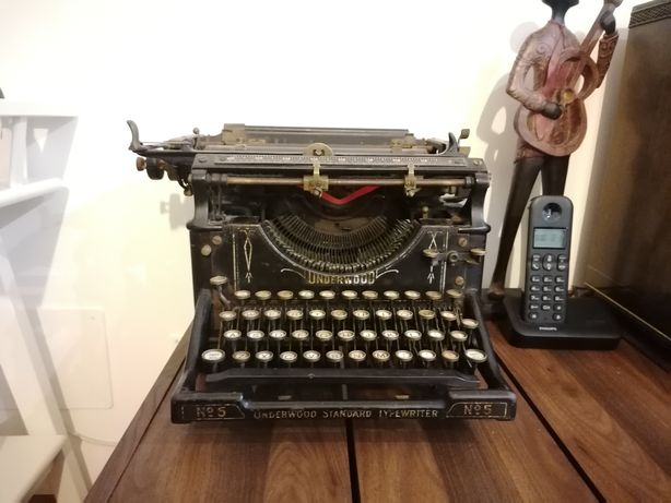 Máquina de escrever Underwood 5 de 1918
