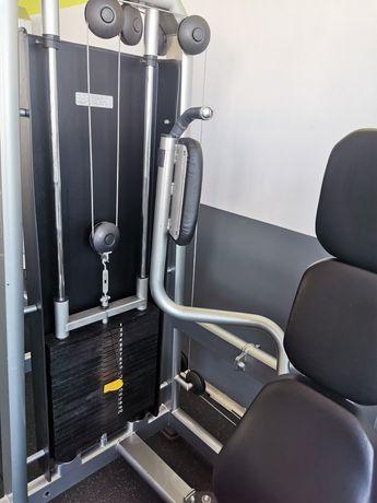 Maszyna na mięśnie klatki piersiowej (rozpiętki) - MASTER SPORT