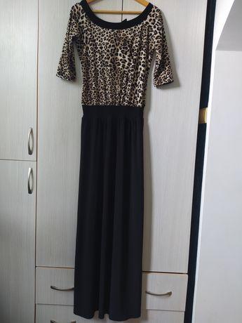 Продам платье в пол размер от 44-48