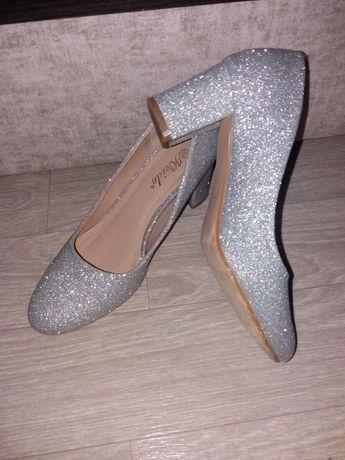 туфлі жіночі 37 р