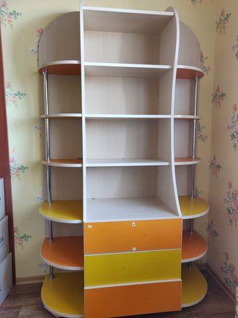Книжный шкаф с комодом