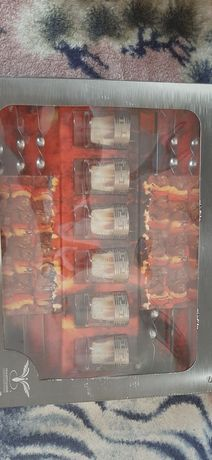 Продам подарунковий набір 6 стопок з грецьким малюнком + 6 шампура