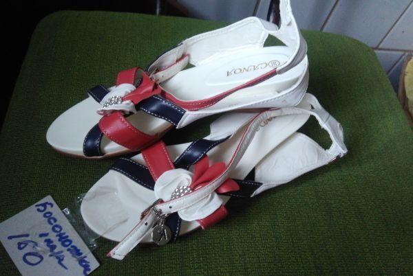 Босоножки и ботинки,сникерсы