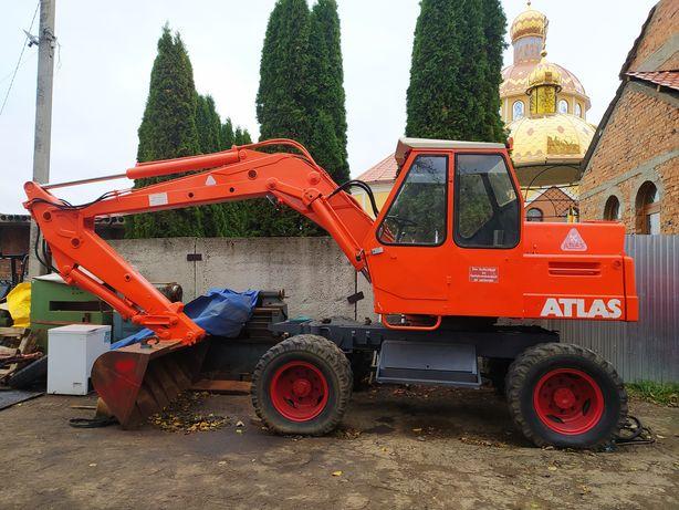 Екскаватор Atlas колёсный привезенный с Европы .