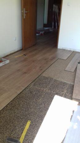 Aplicador de piso flutuante e pavimentos vinílicos e rodapés