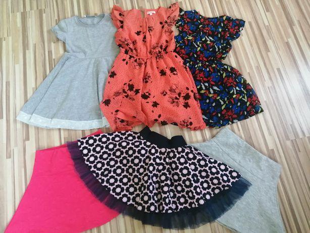 Sukienki dla dziewczynki 122-128