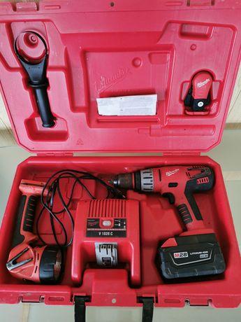 Milwaukee Udarowa wkrętarka V28 PD + Latarka akumulatorowa V28 L