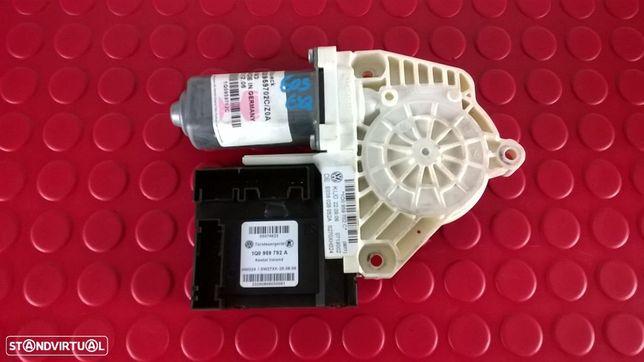 Motor Elevador Vidro Frente Esquerdo - 1Q0959792A [VW EOS 1F7 1F8]