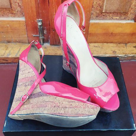 Продам обувь 39 размер