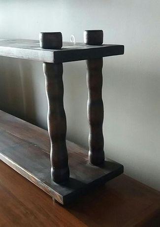 drewniana wisząca półka na książki