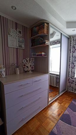Детская мебель: кровать чердак, комод, стол, тумба, шкаф купе
