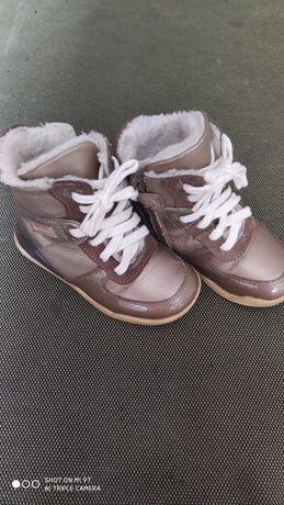 Продам зимние ботинки-сапоги для девочки