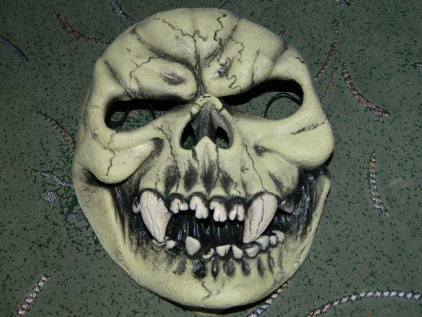 Резиновая Маска на Хэллоуин