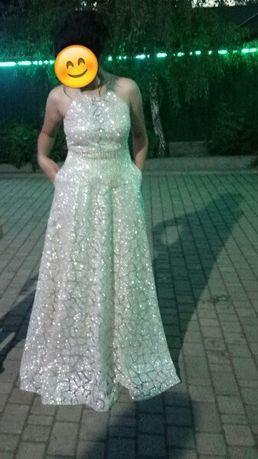 Продам шикарное вечернее платье для выпускного вечера или свадьбы!!!