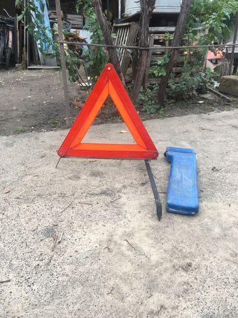 Знак  аварийной остановки для авто