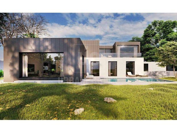 Moradia T5+1 com jardim e piscina para venda em Birre, Ca...