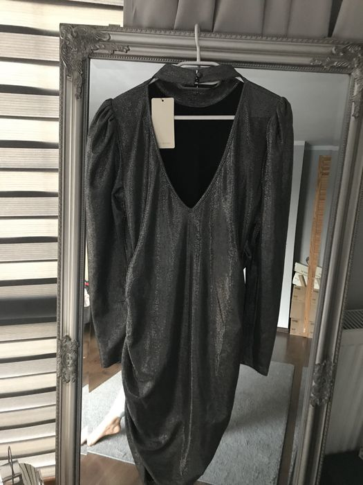 Srebrna sukienka z bufiastymi rękawami Przedmoście - image 1