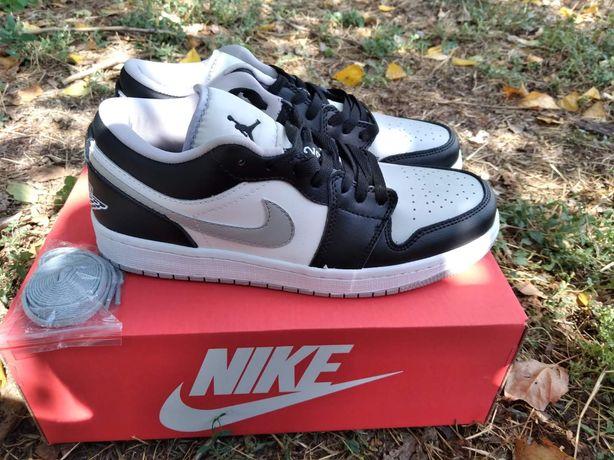 Мужские кроссовки Nike Air Jordan 1 Low Grey White Black