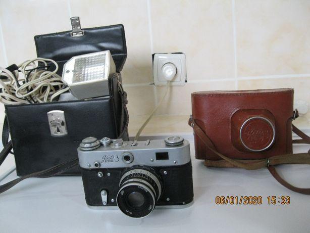 Фотоаппарат ФЭД-З с фотовспышкой