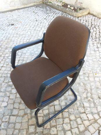 3 Cadeiras | Em Excelente Condições !