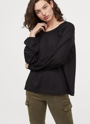 Новая свободная блуза с объемными рукавами от h&m. 44 р