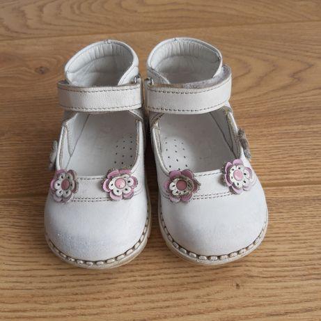 Туфельки для дівчинки, шкіряні