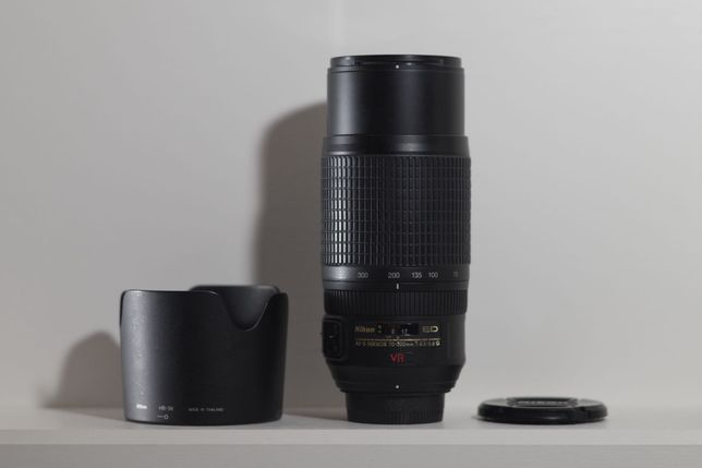 Nikon AF-S Nikkor 70-300mm f/4.5-5.6 G