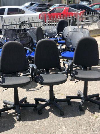 РАСПРОДАЖА офисной мебели!стулья столы шкафы тумбы диваны конференц