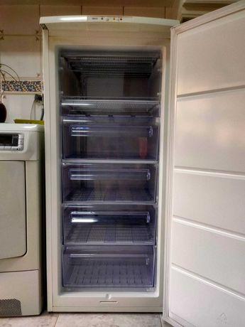 Arca Congeladora Vertical 6 gavetas