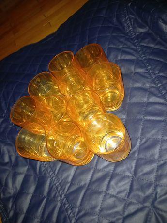 Стакани рюмки жовті прозорі бокали скляні чарки стопки склянки