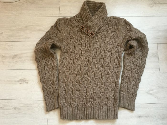 Якісний светр. По Зниженій ціні !! Ивано-Франковск - изображение 1