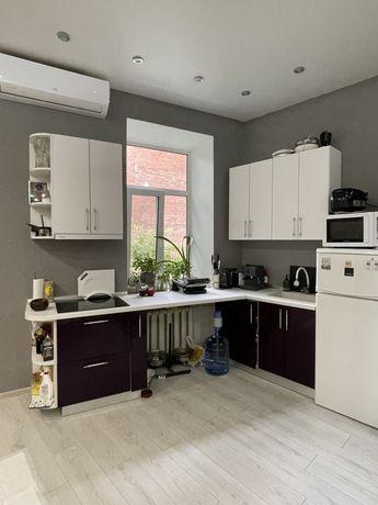 Кухня практически новая