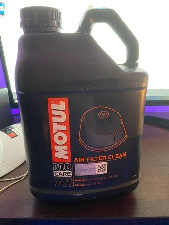Жидкость для очистки воздушных фильтров Motul A1 Air Filter Clean