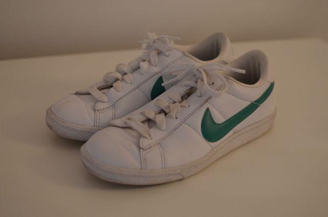 Ténis Nike brancos senhora Tamanho 37,5
