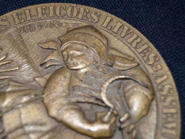 Primeiras eleições livres Assembleia Constituinte | medalha (1975)