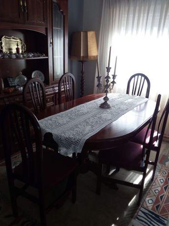 Mesa de sala extensível com 6 cadeiras