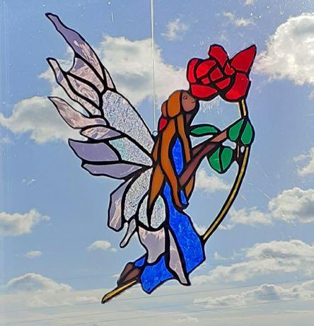 "Fada "" Peace"" em vitral. 28 cm"