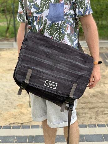 Dakine torba na laptop 17 cali.
