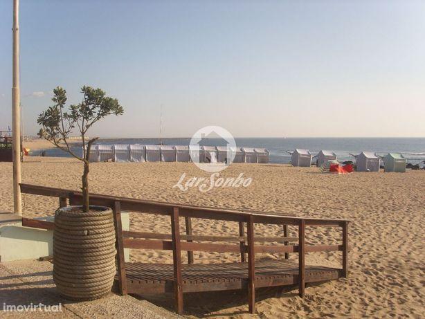 Moradia M5 p/ recuperar a 700m da praia da Povoa de Varzim
