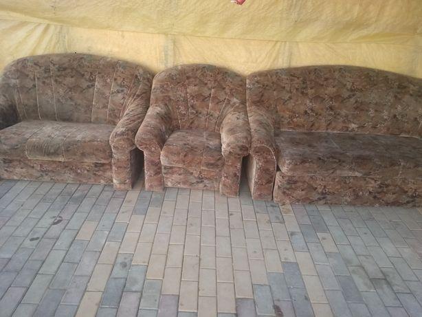 Продам раскладной диван 3+2+1 кресло