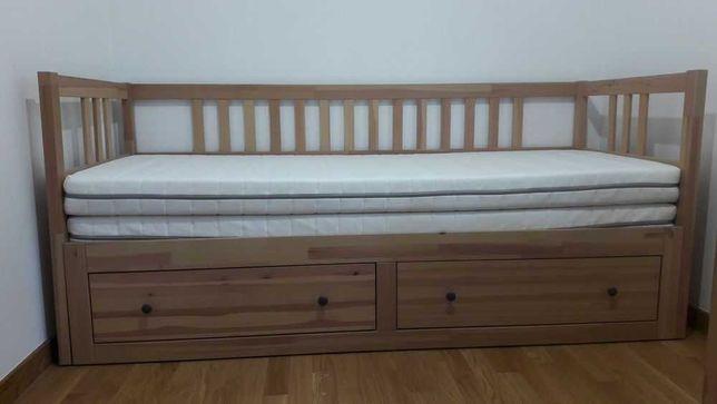 Łóżko (leżanka) IKEA Hemnes z materacami (2 szt.)