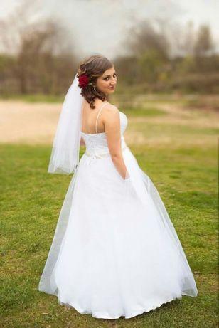 Suknia ślubna leciutka