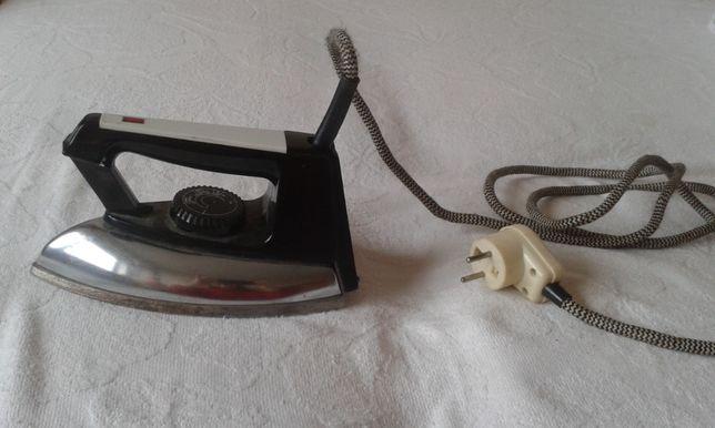 małe żelazko- długie 21 cm