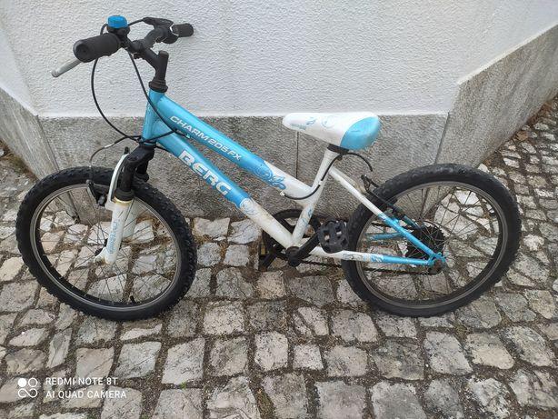 Bicicleta berg usada
