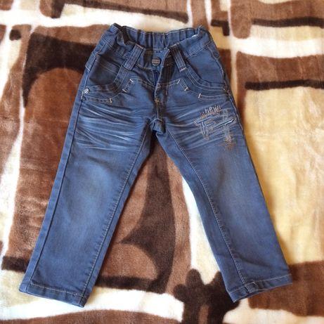 Продам джинсы на мальчика 2-2.5 года