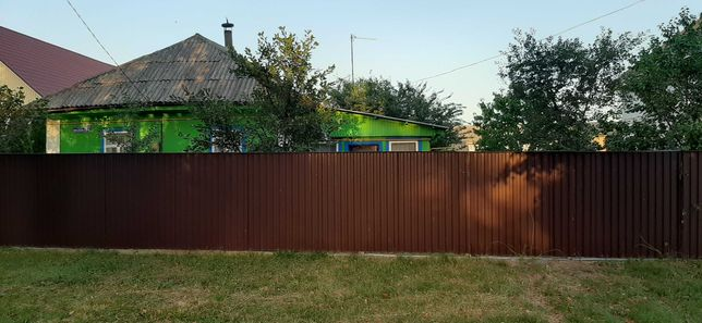 Продається житловий будинок в центрі смт Тростянець